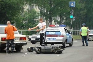 Скутер на дороге