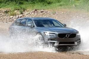 Универсал повышенной проходимости Volvo V90 Cross Country