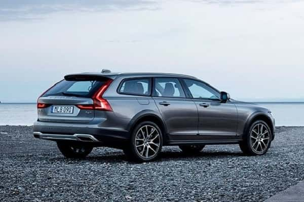 Volvo V90 Cross Country 2017 года