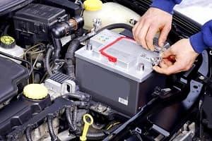 Правильный уход за автомобильным аккумулятором