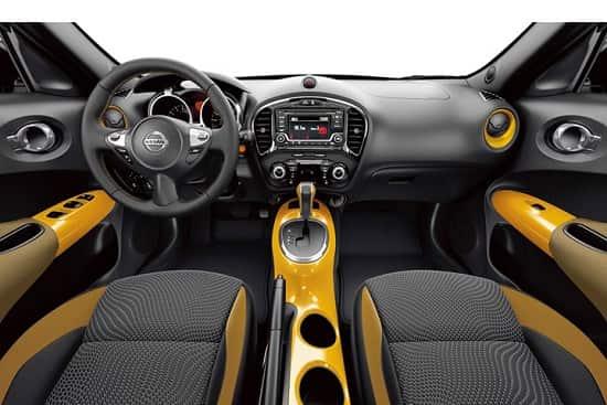 Салон Nissan Juke 2017 года