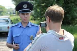 Съёмка инспектора ГИБДД на камеру