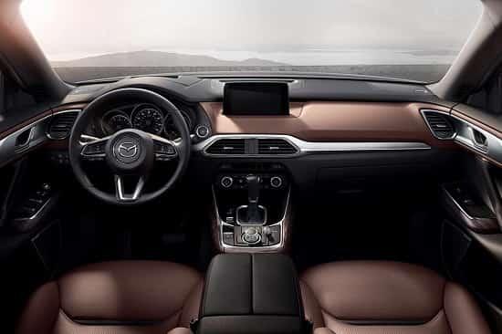 Салон Mazda CX-9 второго поколения