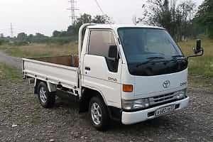 Японский мини-грузовик Toyota