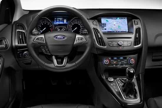 Салон Ford Focus в кузове хэтчбек