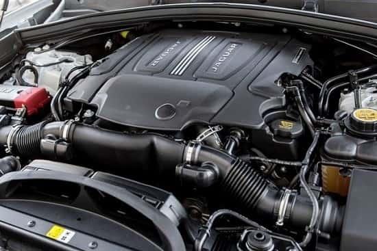 Двигатель Jaguar F-Pace 2019 года