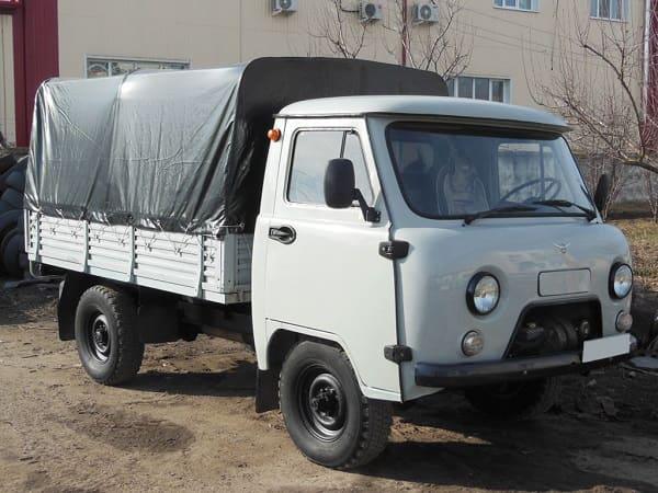 УАЗ-3303 с тентом