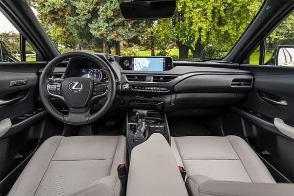 Салон Lexus UX 200