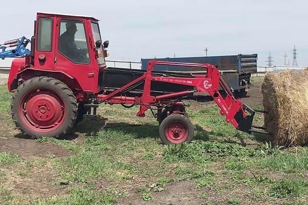 Трактор Т-16М на сельхозработах