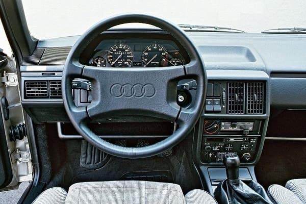 Салон Audi 100 C3 1990 года