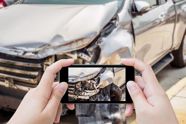 Фотографирование повреждений автомобиля