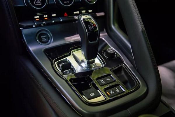 КПП Jaguar F-Type 2020 года