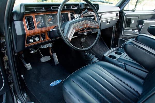 Салон Ford Bronco 1981 года