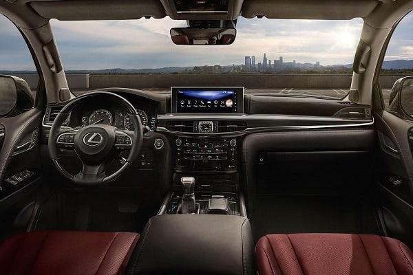 Салон Lexus LX570 2020 года