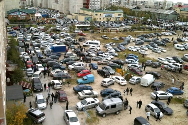 Нехватка парковок во дворах