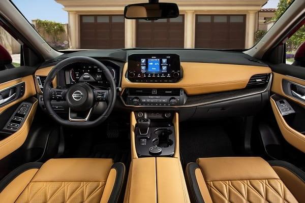 Салон Nissan X-Trail 2020 года