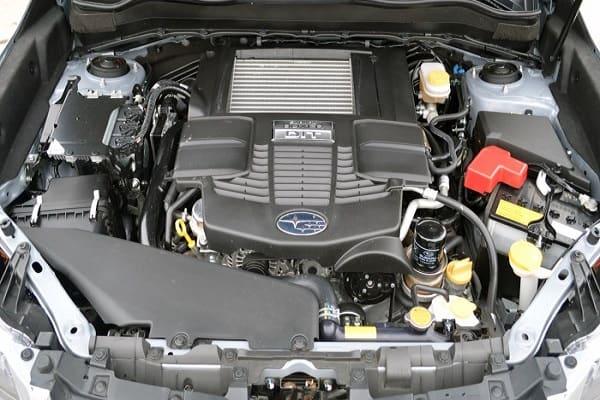 Основные конкуренты дешевле: Nissan X-Trail, Mitsubishi Outlander, Toyota RAV4.