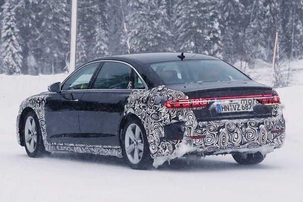 Audi-A8-2022 года